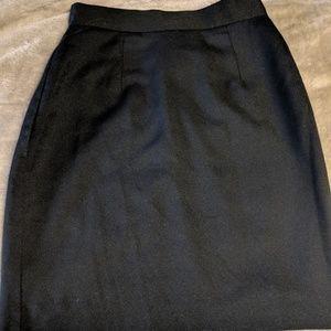 pretty 🖤Black pencil skirt
